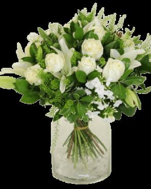 זר פרחים ורדים לבנים חגיגי