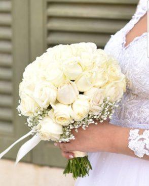זר כלה לבן – ורדים לבנים