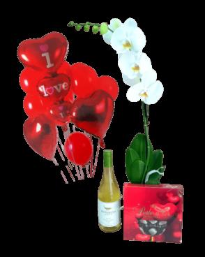 דיל סחלב לבן +יין + שוקולד + זר בלונים I love you