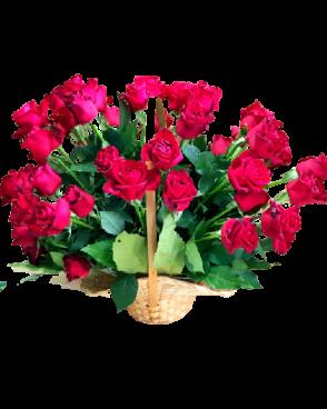 סידור ורדים בסלסלה